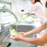 キッチンの油汚れを掃除する12のコツ。シートや業務用洗剤で簡単に!