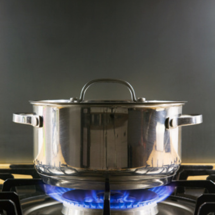 ガスコンロ汚れの掃除方法11ステップ!焦げやこびりつきも楽に分解掃除