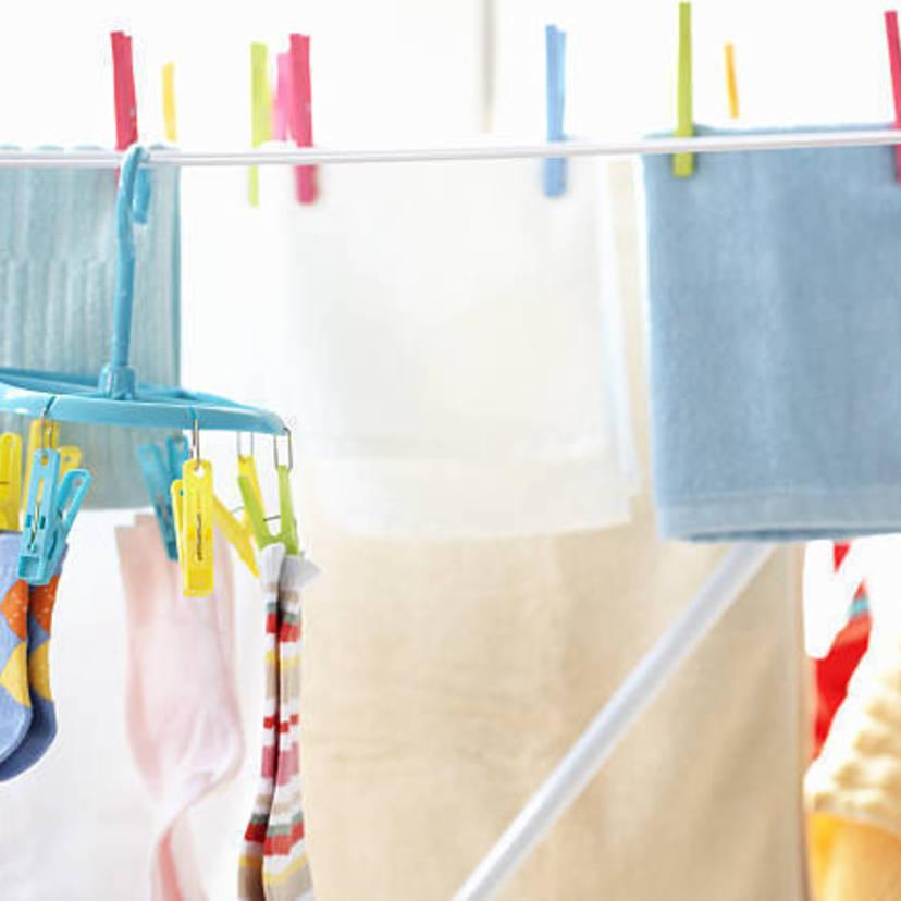 こんな風に洗濯物を干すとヤバイ?正しく干すための便利グッズ7選