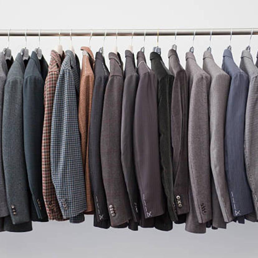 不要なスーツの処分方法7つ!下取りや買取でお得に処分もできる!?