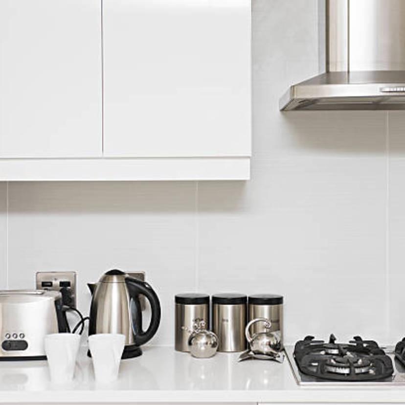 換気扇の油汚れを落とす方法6つ。キッチン用洗剤で簡単に!業者相場比較表付