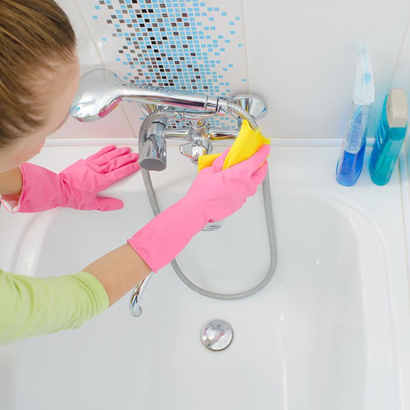お風呂・浴槽の掃除方法8ヶ所!重曹が効果的?水垢・カビは?