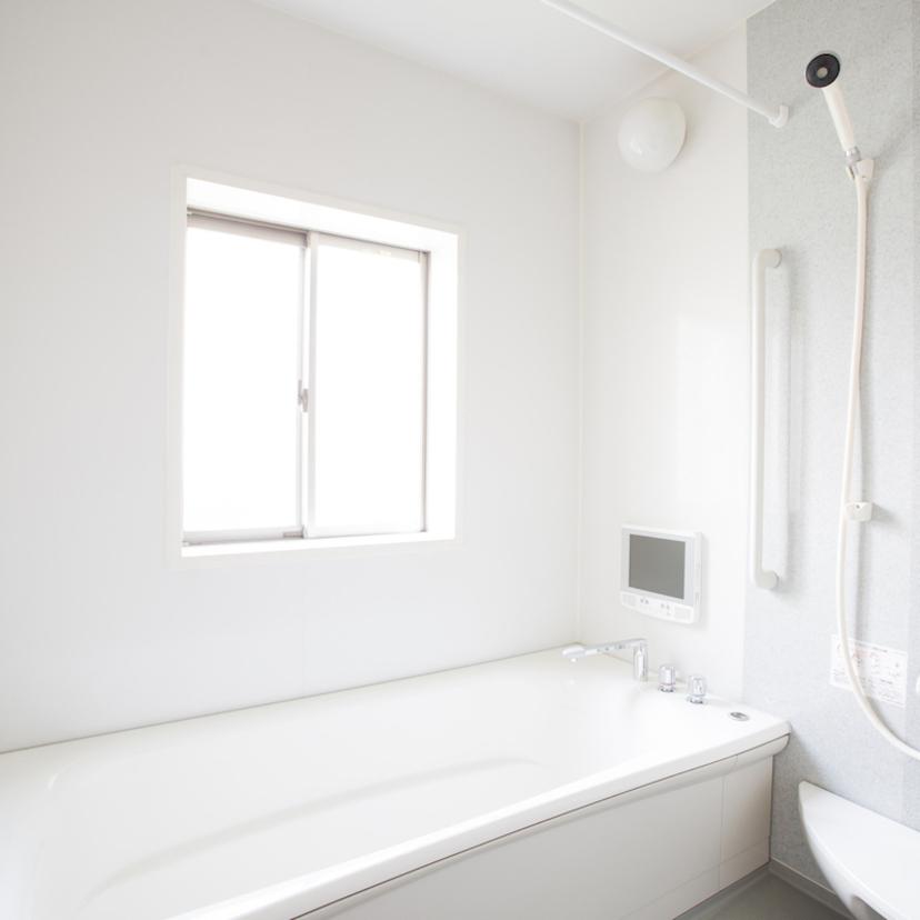 お風呂のいやな臭いの原因と場所別解決方法!必要な道具や、業者費用も